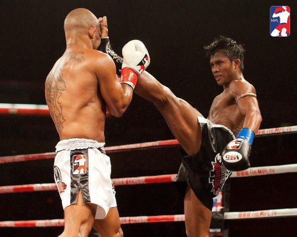 buakaw-in-action-06